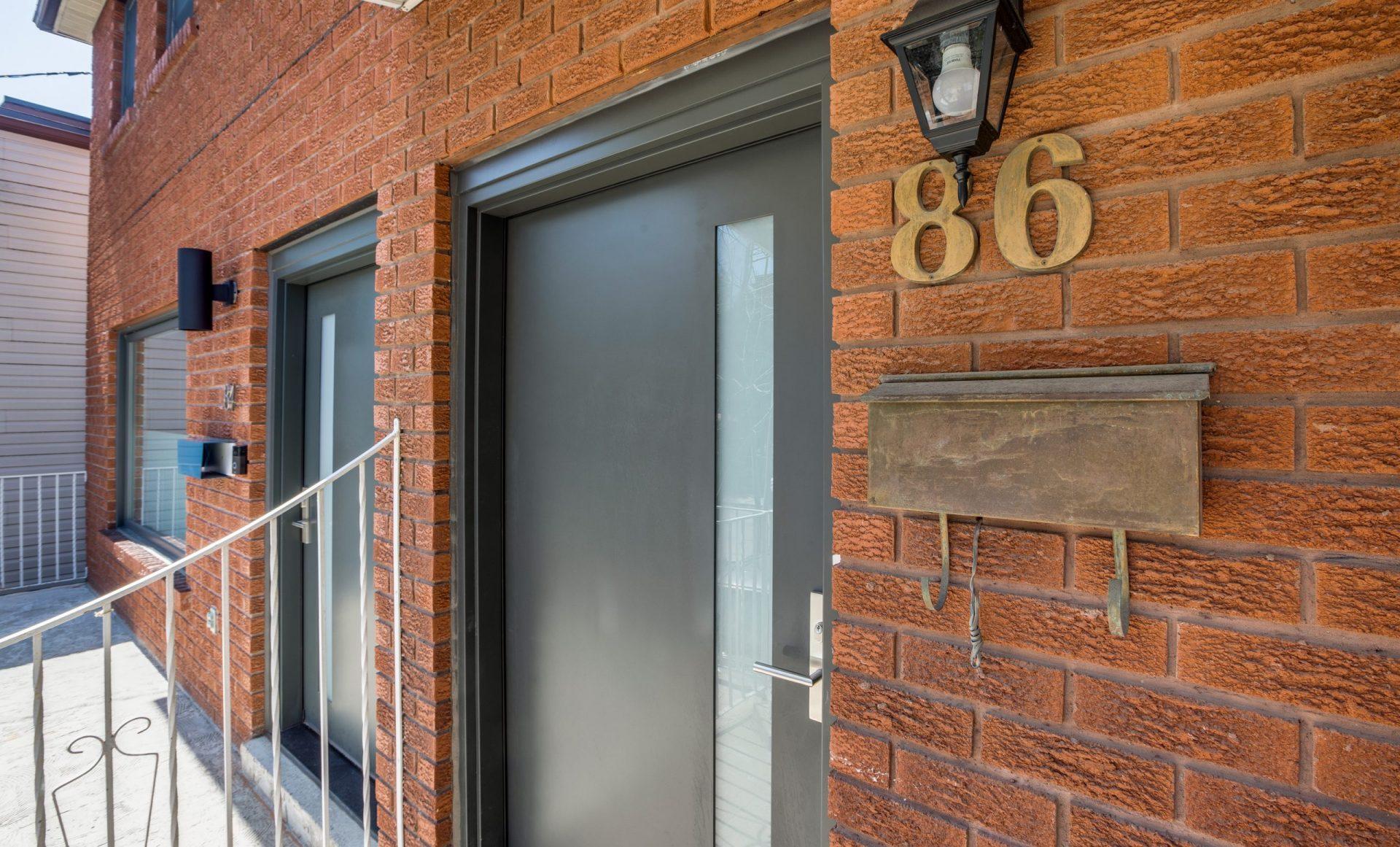 86-Givins-St-Upper-HQ-6